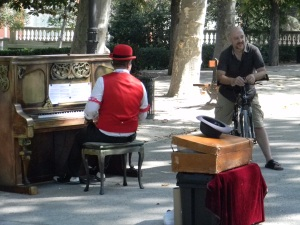 Music in the Retiro on a Sunday afternoon.