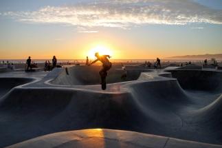 LEAP NET skateboarder