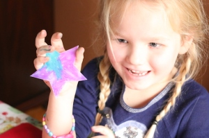 memory-girl-with-star-ornament-img_1058
